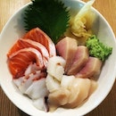 Kaisen Jou 5 types of raw seafood on sushi rice My craving for chirashi don returns as I sink my teeth into it.