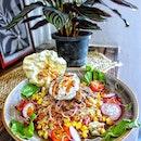 Fancy a Beef Rice Bowl at @santapsg ?