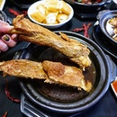 Savour authentic Klang style Bak Kut Teh @keehiongsg  Started in the 1940s, founder Lee Boon Teh started Kee Hiong when he came up with a recipe for stewed Bak Kut (bone and meat) by adding Chinese medicinal herbs.