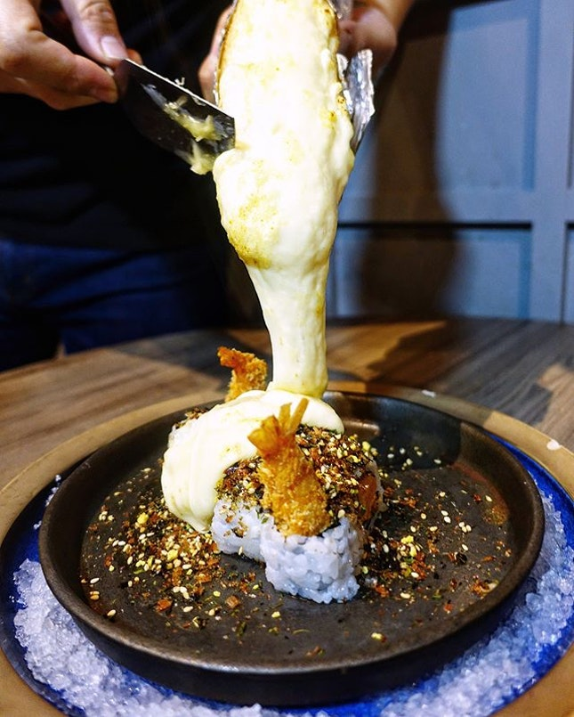 Watch creativity in full flow @hanarestaurant  Definitely one of the most instagram worthy and innovative restaurants in Singapore, one will be impressed by the exquisite presentation and creative blend of flavours of the various dishes and beverages.