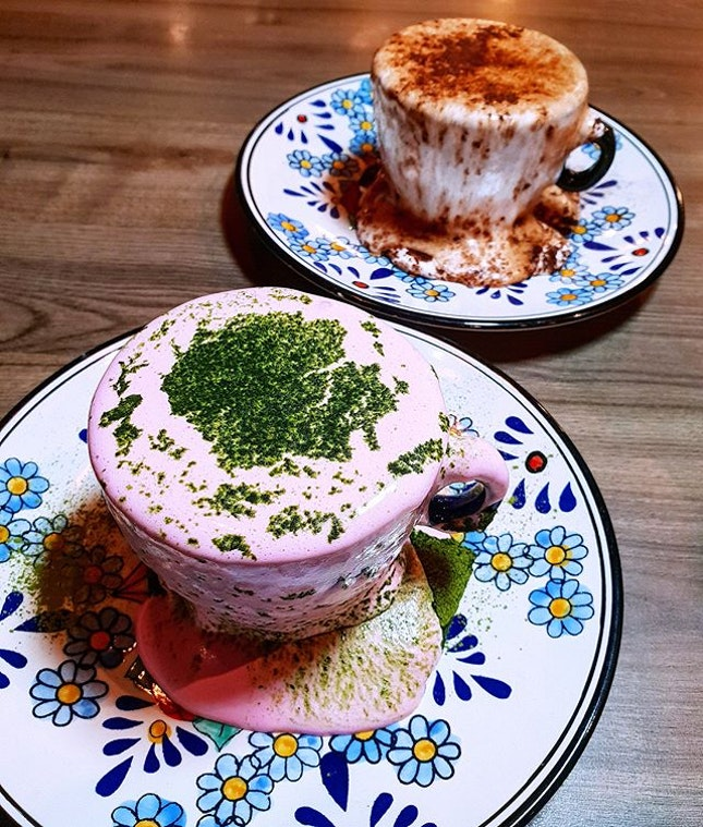 Look out for novel food and beverage creations @thebenjamins.sg  The Benjamins have always been known for their instagram worthy menu items and  after all the hype about dirty and messy buns, they have come up with their own rendition of dirty and messy lattes .