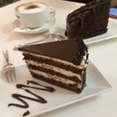 Yummy Chocolate Banana Cake