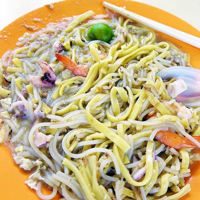 Xie Kee Hokkien Mee is located at Bukit Timah Market & Food Centre.