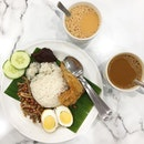 #feedthetheme doing #breakfast theme this week~ Here's my nasi lemak breakfast with kopi and teh C.