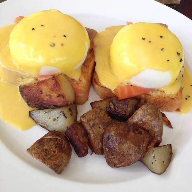 #tbt to egg benedict at the fabulous baker boy.