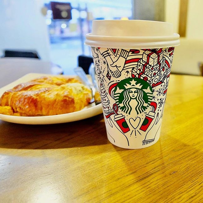 #tbt to Xmas at @starbuckssg What a lovely morning!