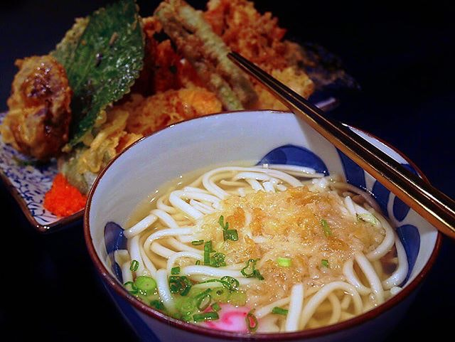Rainy weather calls for comfort food like this Mixed Tendon ($15.80) with Udon (+$1) 😍  Love it when I am not limited to rice option!