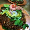 fried tom yum noodle