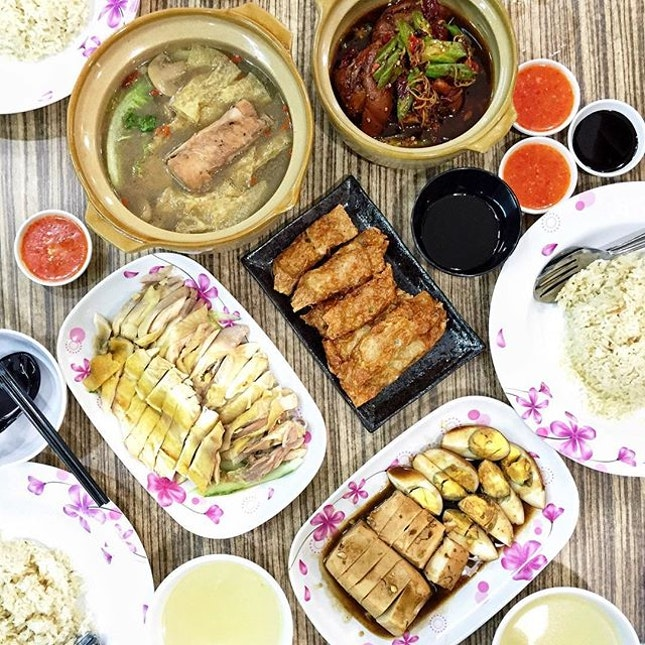 Most go to Rangoon Road for the hip cafes or so-called famous bak kut teh restaurants.