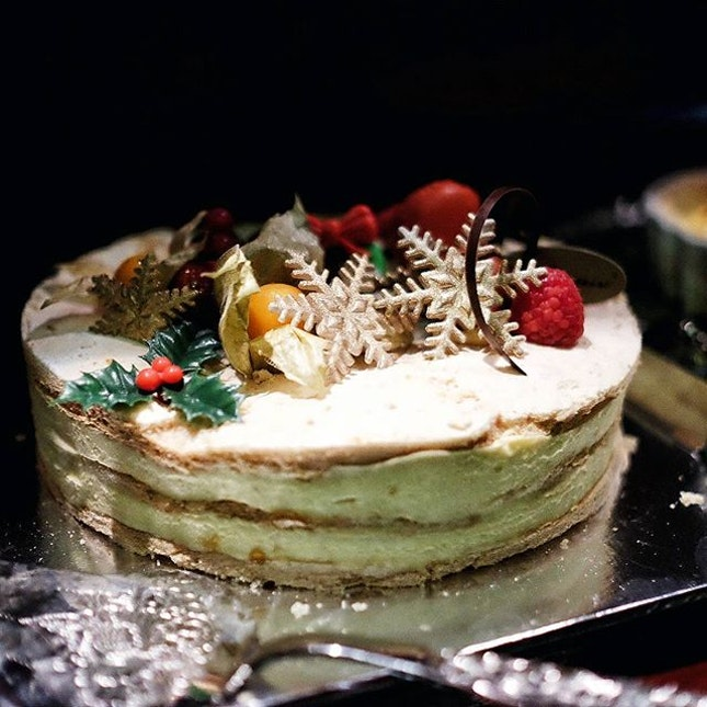 The yearly affair of {Passionfruit Meringue} from @the_patissier at the X'mas dessert table...