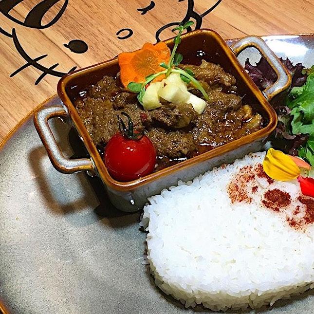 An enjoyable waygu beef rendang at @hellokittycafesingapore :) #hellokittycafesingapore #hellokittycafe #beefrendang #waygubeefrendang #sgfood #sgcafe #foodporn #burpple #hellokitty