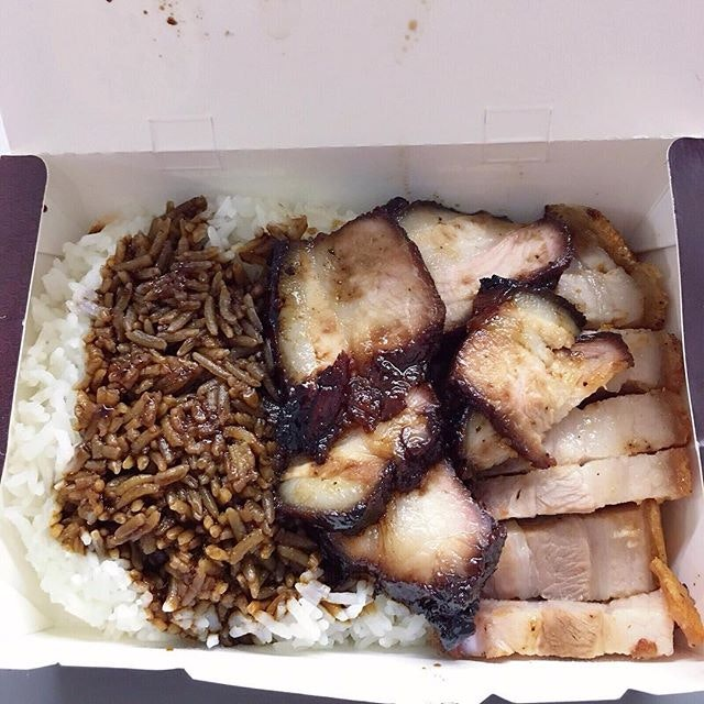 Roast and Barbecue Pork Rice ($5.00) @ Kay Lee SingTel Comcenter  Not sure if you guys have heard of this infamous Kay Lee Duck Rice stall but let me start of with the roast pork.