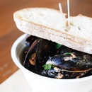 Coconut chilli mussels from the mussel truck at @vicmarket.