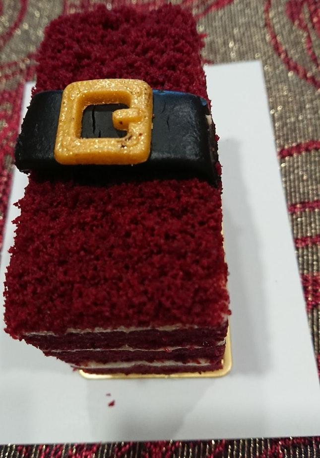 Santa's Belt-vet Cake
