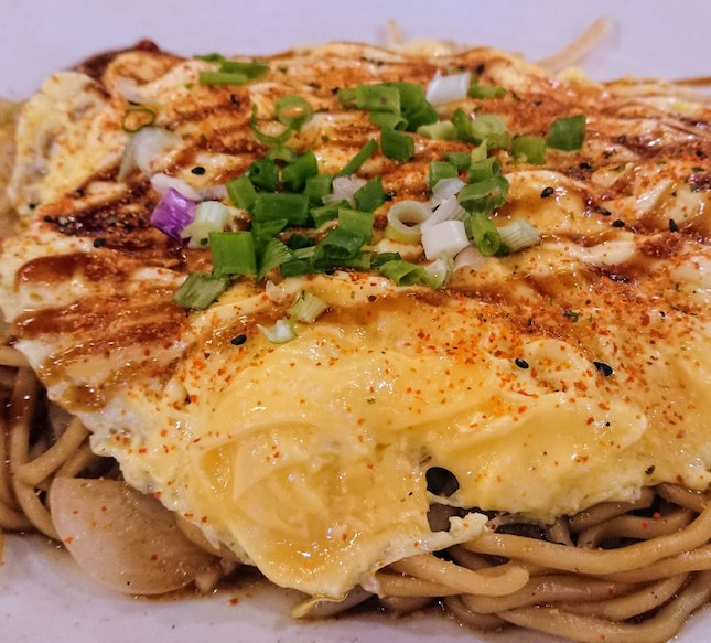 Yakisoba With Omelette