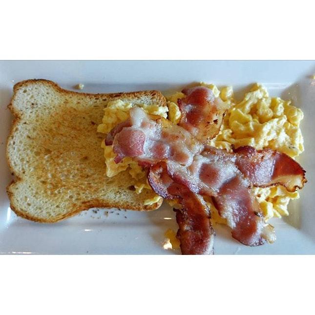 "All-day breakfast ""Basic Works""."