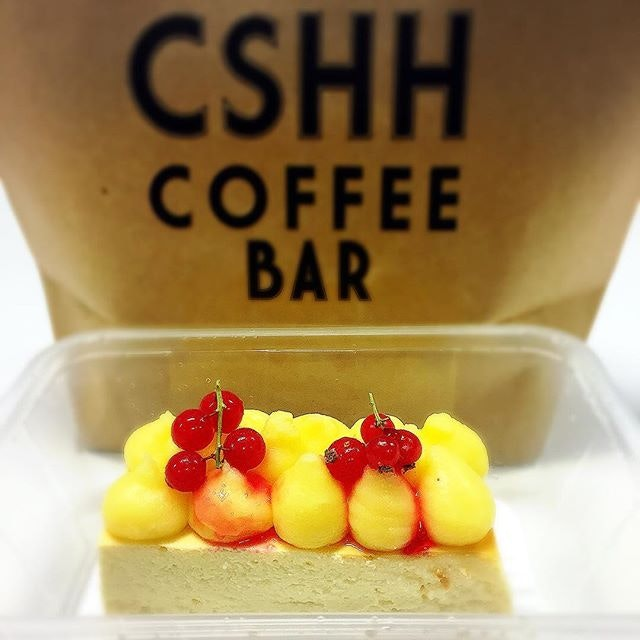 12 October 2017: Enjoying this Yuzu cheesecake now with @thamwengmun; thanks to my colleague for getting this for me 😋 .