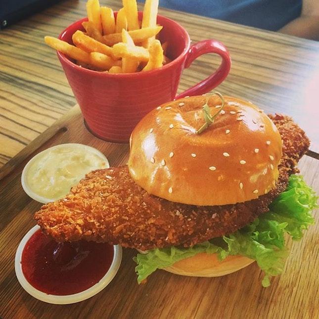 Grub's awesome crispy fish burger.