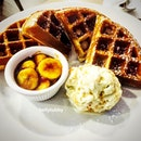 Wacky waffles with macadamia ice cream n banana caramel dips.
