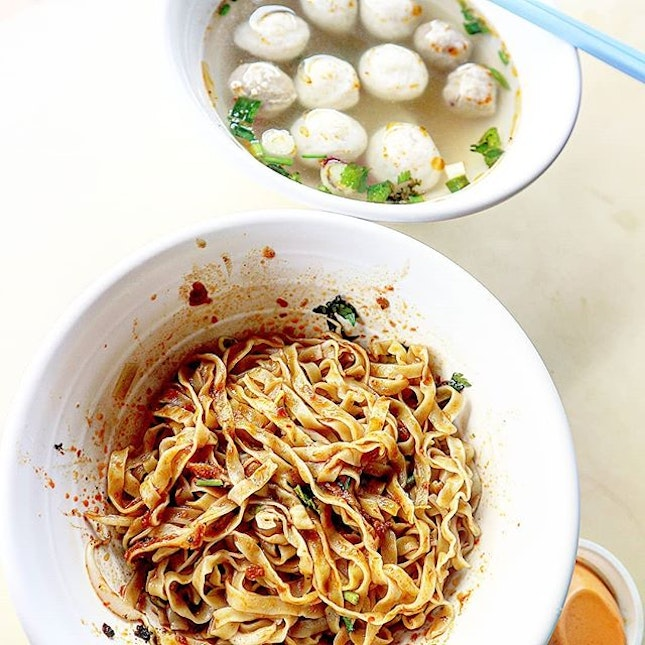 Nothing like a simple bowl of mee pok tar and fishballs.