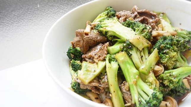 One pan stir fried beef and broccoli with mushrooms, garlic, black pepper and oyster sauce.