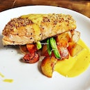 Herb-Crusted Salmon (SGD $25.90) @ Royz Et Vous.