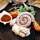 Bangers & Mash With Curry Ketchup (SGD $18.90) @ Brunches Cafe.