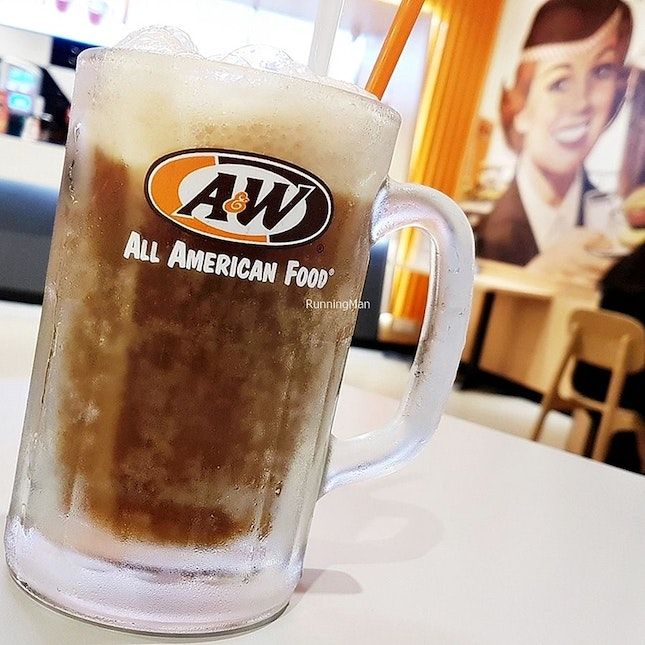 Root Beer Float (SGD $3.50) @ A&W.