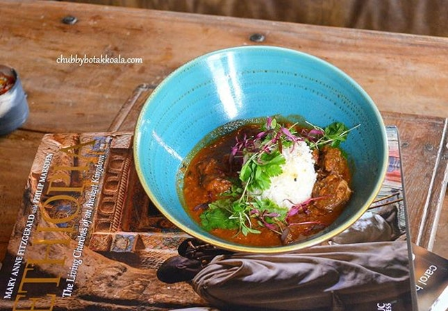 Caribbean Goat Curry, one of the African dishes serve in @kafeutu .