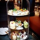 Crossroads Bar at Swissotel Merchant Court presents to you 'Spring in Tokyo' Afternoon Tea.