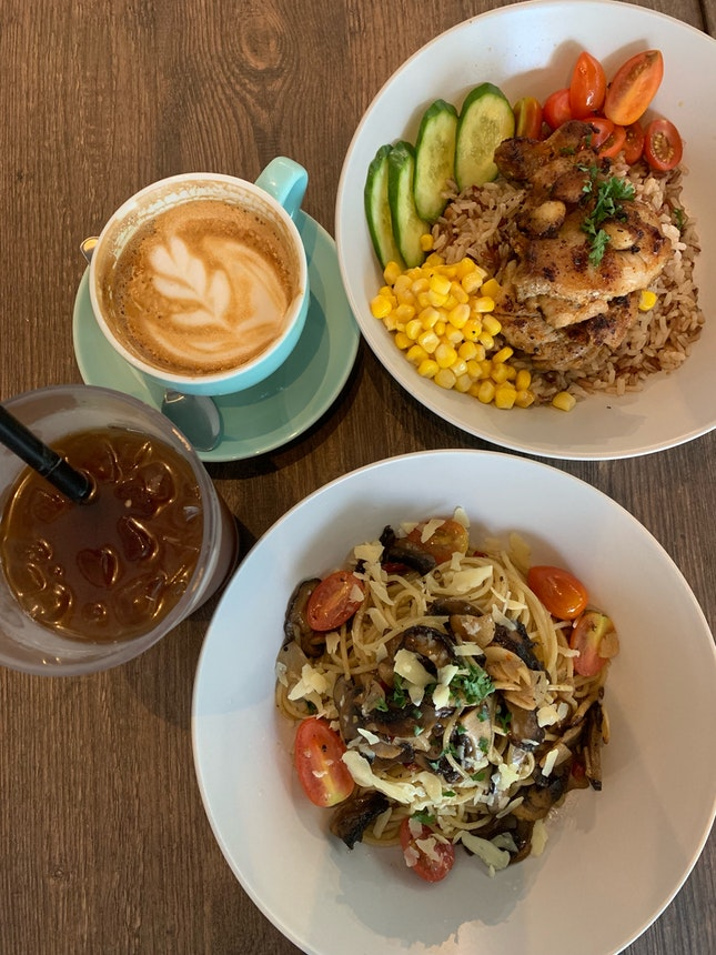 Mushroom Aglio Olio ($14.80) & Louisiana Grilled Chicken Rice ($12.80)
