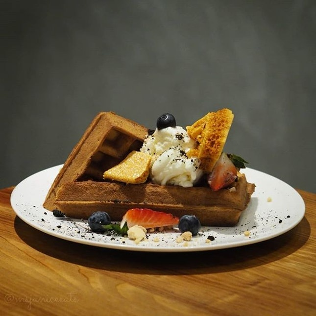 ⭐ The Communal Place ~ Wafflelicious (S$12.00) ⭐  You are what you eat.