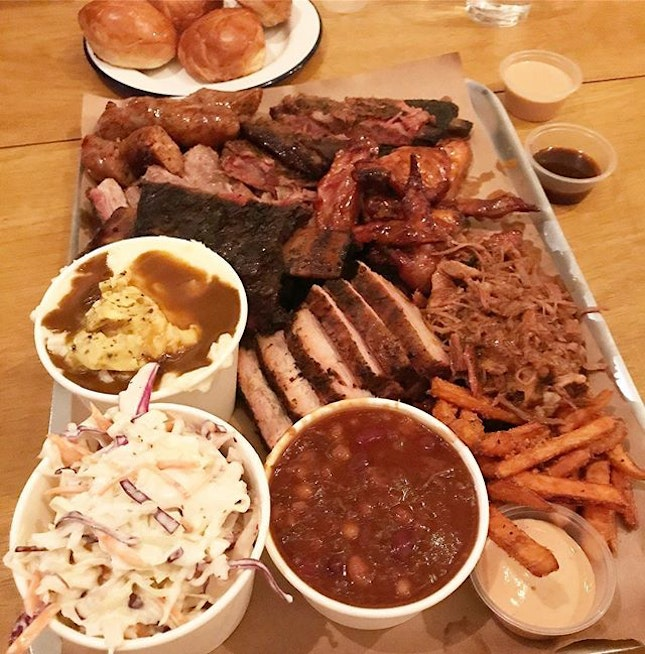 Platter for 6 @ $150 but we couldn't finish everything 😂 If you're a carnivorous #meatlover, this is the place for you.