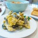 Sunday brunch over crackling Salted Egg Yolk Fish Skin, luscious porridge and dim sum classics  #cantonparadise #paradisegrpsg #instafood #foodstagram #sharefood #foodspotting #sgfood #sgfoodie #fooddiaries #onthetable #instayum #yummers #whatiate #burpple #hungrygowhere #lifeisdeliciousinsingapore #whatiatetoday #eatoutsg #sgeats #instagramsg #sgig #igsg #sgblog #sgblogger #weekends #sundays