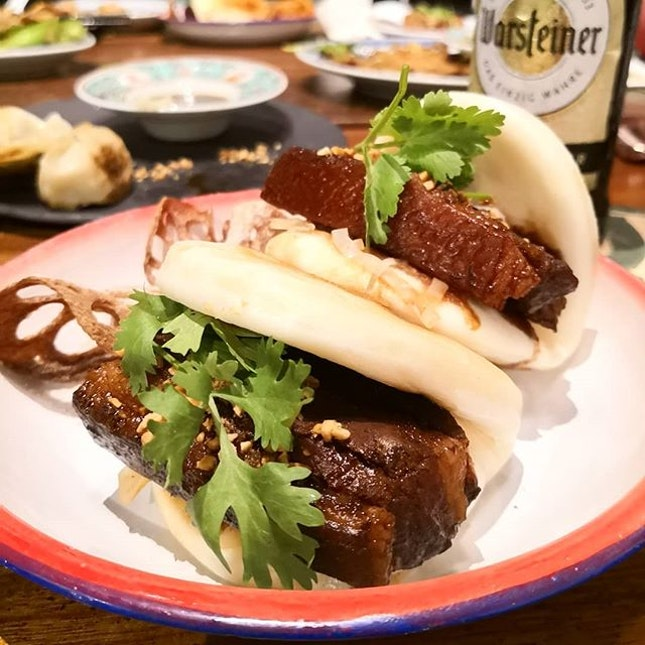 Braised Pork Belly Bun ($9++); The Kong Bak Paus here are serve with pan-fried buns, pickled cabbage and peanut bits.