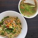 Tang Pin Mee Pork #homemadenoodle #mincedmeat #porklard #fishcake #lettuce #lunch #ss2 #burpple #burpplekl