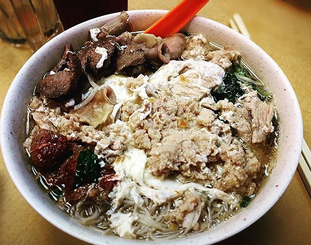 A hot bowl of Pork noodles which notorious for extremely long wait~~ are you fans of Pork noodle too?