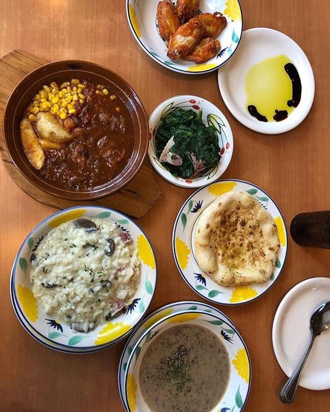 Saizeriya spread ✨our fav include the chicken wings ($4.90 for 5 pieces), garlic focaccia ($2.20), bacon & mushroom risotto ($5.90)!