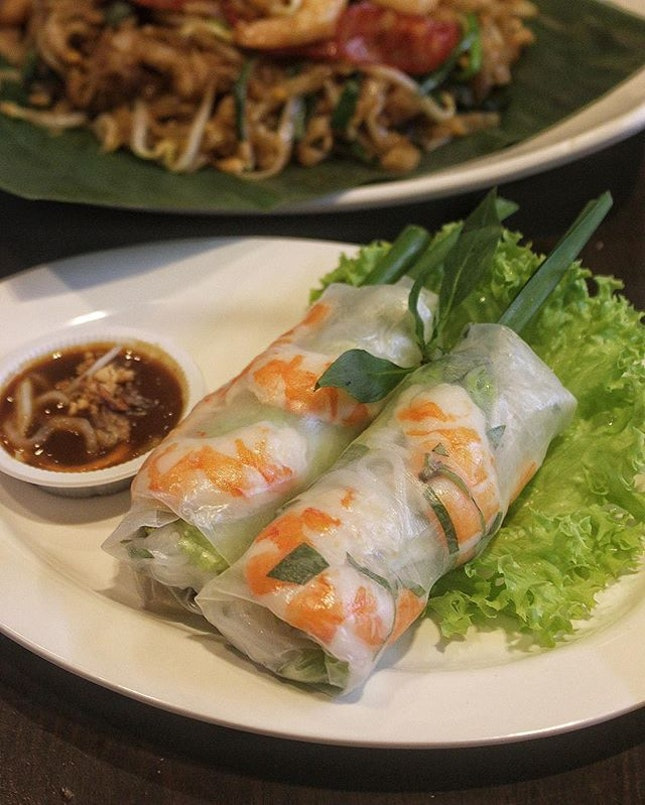 Award winning Chef Cam Thien Long, also known as Chef Steven Long's popular Vietnamese Summer Rolls will be freshly rolled out during this 11 days of 'RWS Street Eats' till 19 Aug 2018 .