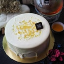 @barcookbakery has launched the Yuzu Waterfall cake ($35.00) for the coming Father's Day.