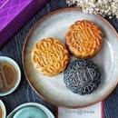 @thwsingapore Mooncake Trio features 3 signature mooncakes ($25.00 nett): (1) Low Sugar Pandan & Lotus Seed, (2) Black Sesame & Melon Seed, and (3) Single Yolk Low Sugar White Lotus Paste, symbolizing the abundance of good fortune: .