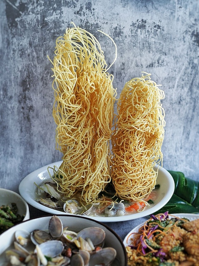 Twin Towers Crispy Noodles