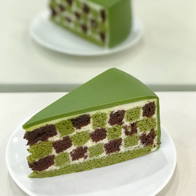 Green tea checkers [$9.50++] Newly launched and exclusive to the September's special category of cakes, an upgrade of the checkers cake with the substitution of vanilla to green tea 💚.