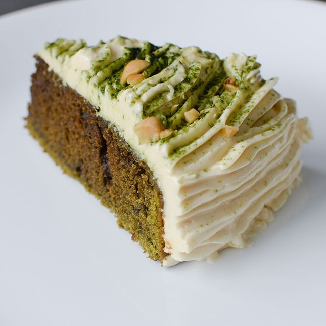 Matcha PB FABA-cream [$6.50] Yet another special bake that's available while stock lasts, but thank god @welldressedsaladbarsg was kind enough to reserve a slice for me upon request.