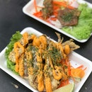 Crispy softshell crab with cheese web [$10] .