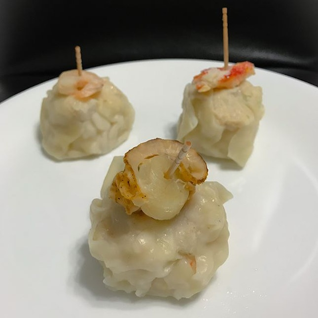 Seafood dumpling [$3.50/pc, $10/pcs] With 3 options to choose from: scallop, prawn and crab, these siew mai might come with a steep price tag but the portion and quality was definitely worth it!