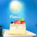 • 🍓🍓🍓Strawberry Soufflé • ========================================== Flor Patisserie: So light & refreshing!!