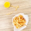 • Shoestring Fries with Yelo Special dip • Not on the menu yet but if you're lucky, the boss might let you try it 😁 •