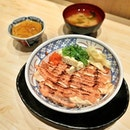 A great bowl of Aburi Mentai Salmon with rice, along with miso soup and chawanmushi ($19++) .