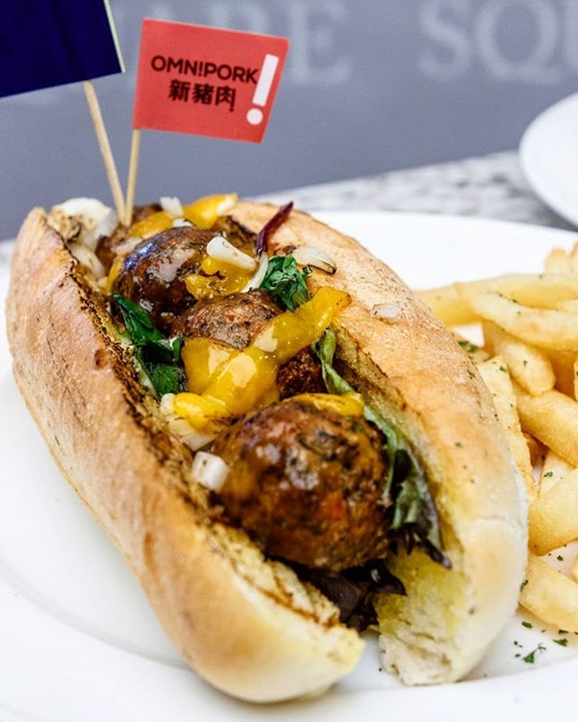 In an effort to promote a more sustainable and plant-based/green lifestyle to the local public, CarversX has collaborated with Hong Kong-based Green Monday which just opened office in Singapore to introduce vegan dishes at their stall by using food2.0 inventions such as @omnipork and @beyondmeat alternative meat products to create vegan meatballs.